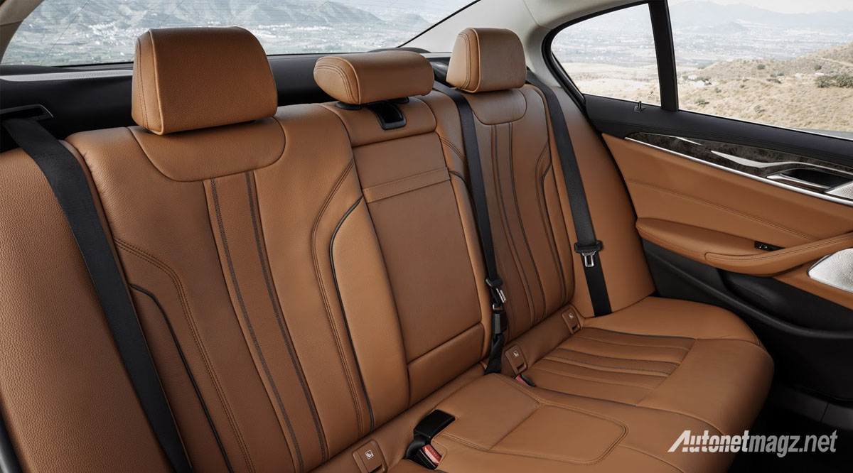 bmw-5-series-g30-rear-cabin
