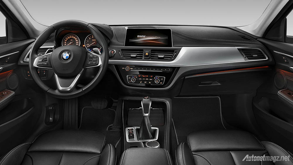 bmw-1-series-sedan-interior