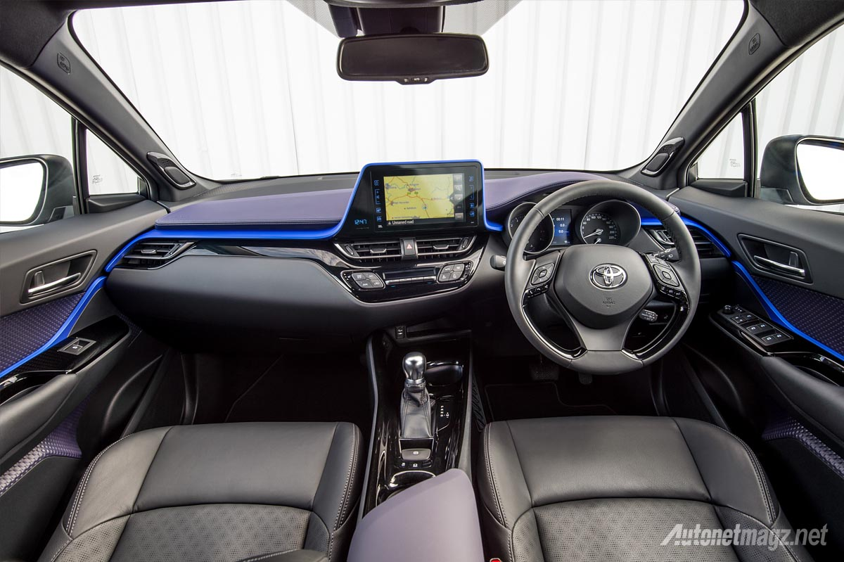toyota-c-hr-2017-interior