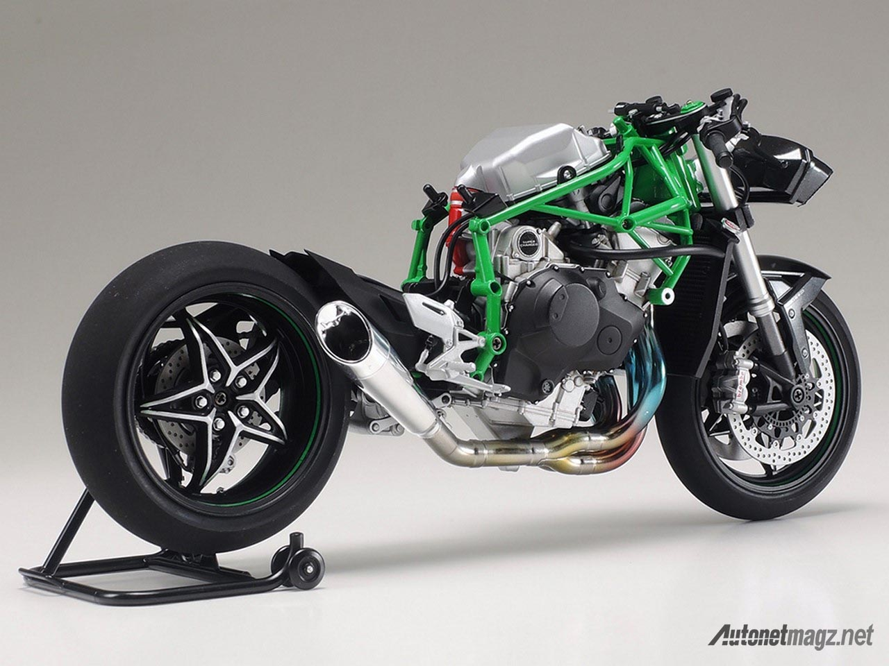 Hot Stuff, kawasaki-ninja-h2r-model-kit-tamiya-parts: Tamiya Rilis Model Kit Kawasaki Ninja H2R Skala 12, Sikat!