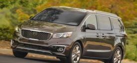 kia-grand-sedona-suv-drivers-sideview