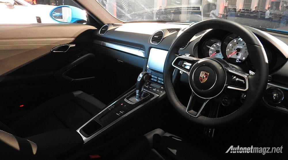 Porsche Indonesia Bawa 718 Cayman dan Panamera Sekaligus