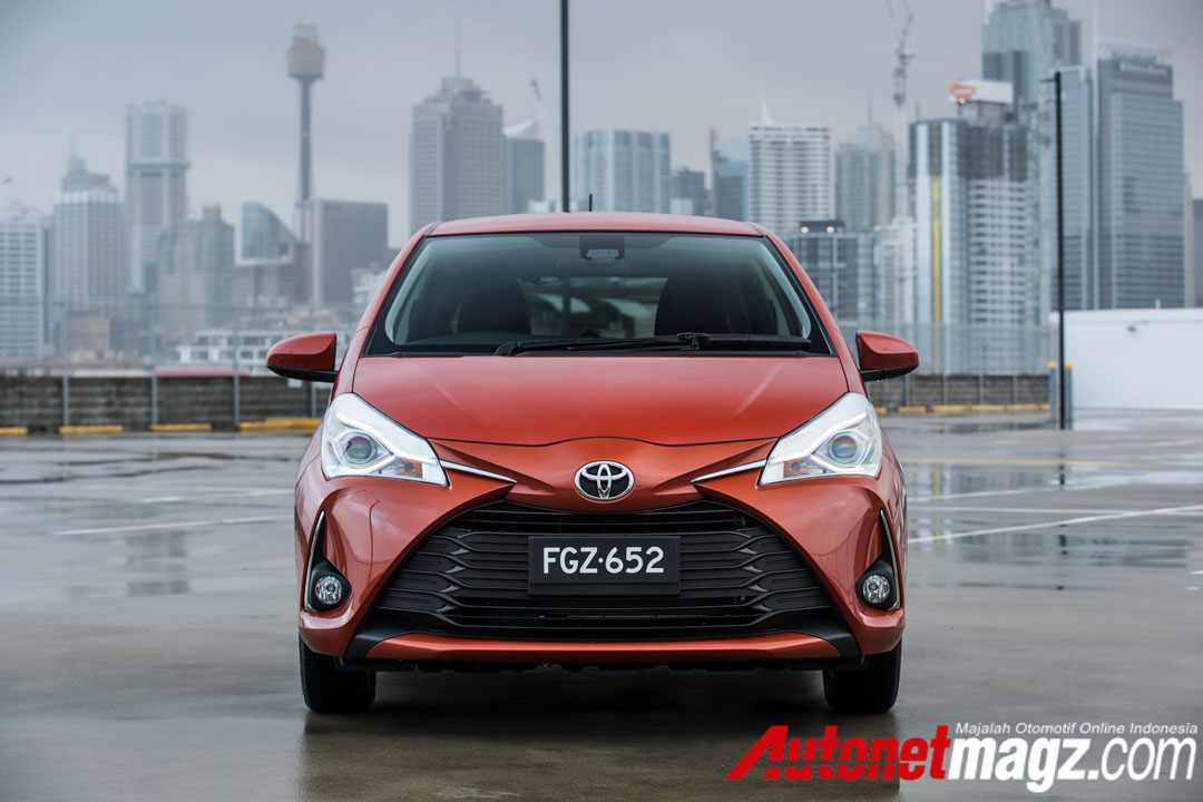 2017 toyota yaris sr australia 3 autonetmagz review. Black Bedroom Furniture Sets. Home Design Ideas