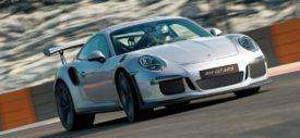 Gran-Turismo-Sport-Porsche-911-GT3-RS-interior