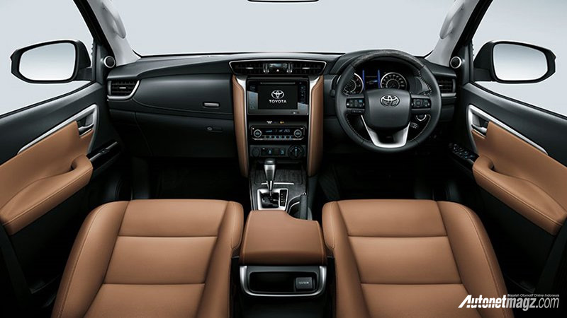 interior coklat fortuner facelift autonetmagz review mobil dan motor baru indonesia. Black Bedroom Furniture Sets. Home Design Ideas