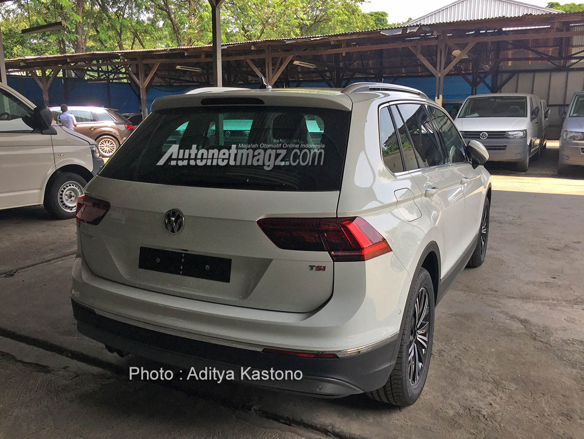 GIIAS 2017, spy shot vw tiguan 2017 indonesia rear: GIIAS 2017 : VW Tiguan 2017 Sudah Mendarat di Indonesia