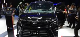 review toyota voxy indonesia
