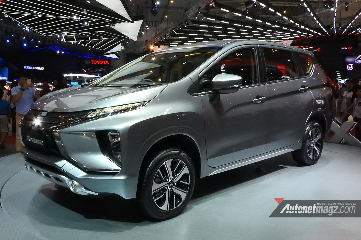 2017 Mobilio >> First Impression Review Mitsubishi Xpander 2017 Indonesia - AutonetMagz