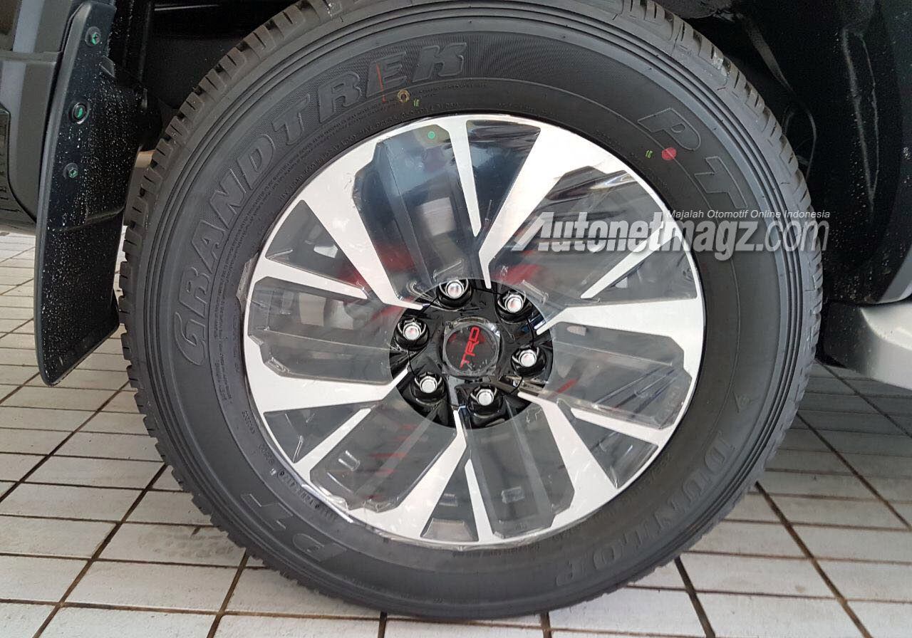 GIIAS 2017, toyota fortuner trd sportivo indonesia wheels spyshot: GIIAS 2017 : Toyota Fortuner TRD Sportivo, Calon Fortuner Termahal?