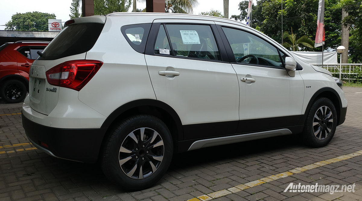 Mobil Baru, diskon suzuki sx4 s cross facelift 2018 indonesia: First Impression Review Suzuki SX4 S-Cross Facelift 2018 Indonesia