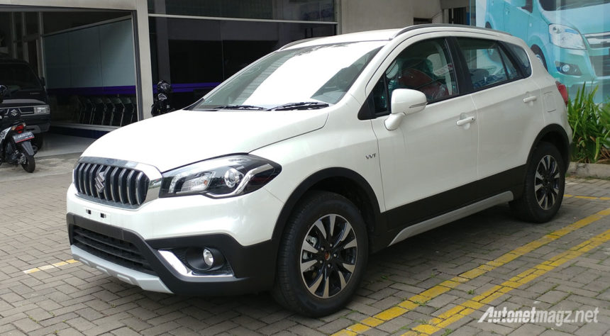 first impression review suzuki sx4 s cross facelift 2018 autonetmagz. Black Bedroom Furniture Sets. Home Design Ideas