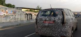 Mahindra U321 MPV depan