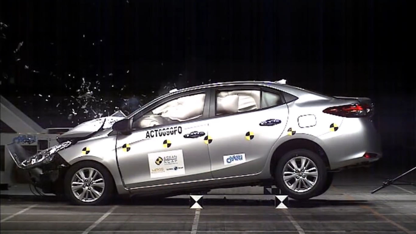 International, toyota yaris ativ crash test asean ncap: Toyota Yaris Ativ Raih 5 Bintang dari ASEAN NCAP
