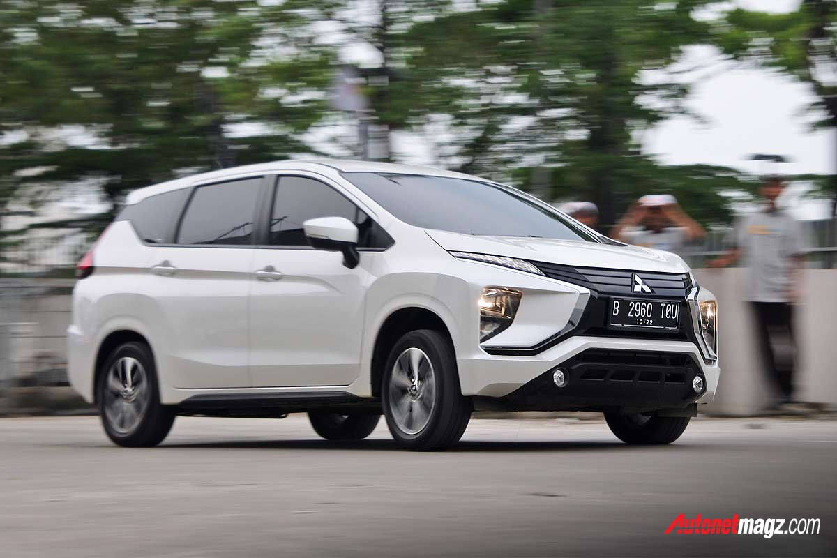 Nasional, Test-drive-Mitsubishi-Xpander-di-acara-GIIAS-2018-Safety-and-Defensive-Driving: GIIAS 2018 Ajak 200 Orang Ikuti Program Safety & Defensive Driving