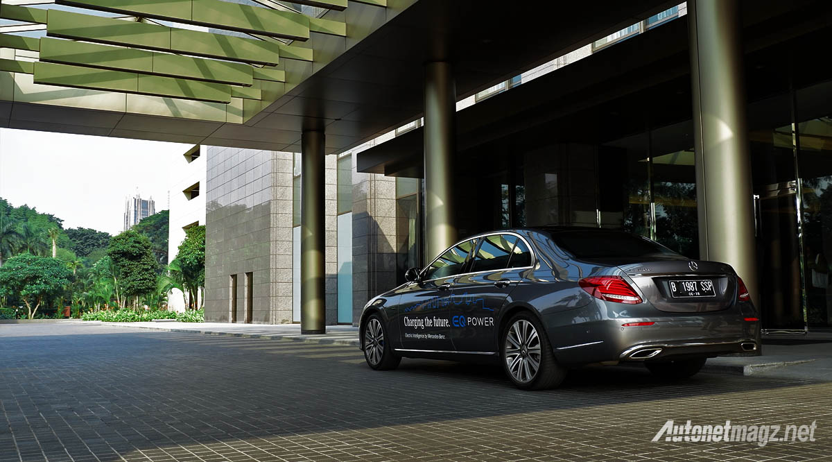 Mercedes-Benz, mobil listrik mercedes benz e350e plug in hybrid eq power indonesia: Mercedes-Benz E350e Plug-In Hybrid Review : EQ For Emphasized Quality