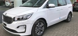 KIA-Grand-Sedona-CRDi-2.200-cc-turbo-diesel-Indonesia