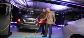 EQ Power Charging Mercedes-Benz di Plaza indonesia